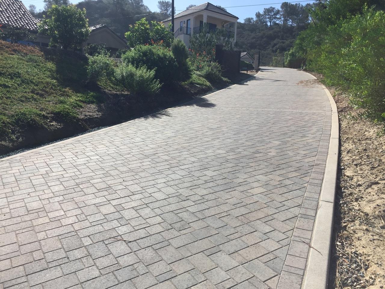 Catalina Driveway Del Mar